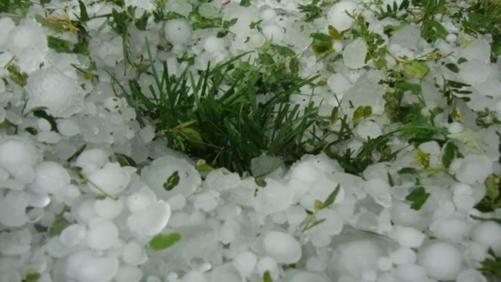 Cod GALBEN: România, lovită de fenomene meteo EXTREME: furtuni și grindină - HARTA