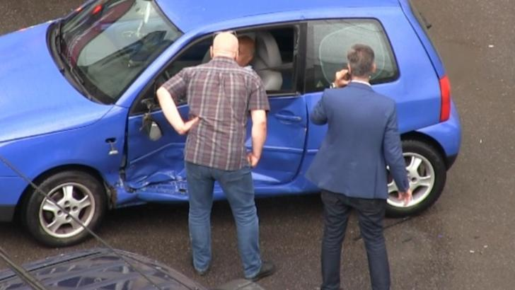 FOTO Prefectul județului Constanța, implicat într-un accident rutier! O persoană a fost rănită