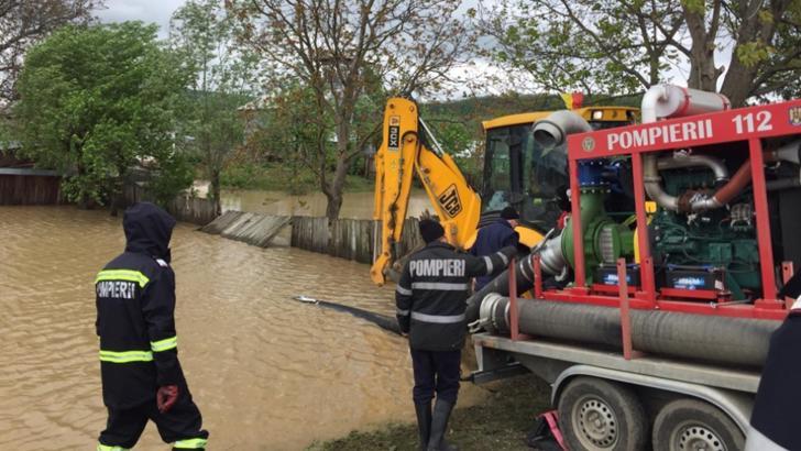 Potop în țară! COD ROȘU de fenomene meteo extreme