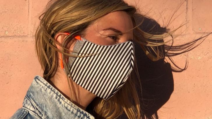 Masca de protecție în spațiile publice deschise devine obligatorie și în Vaslui