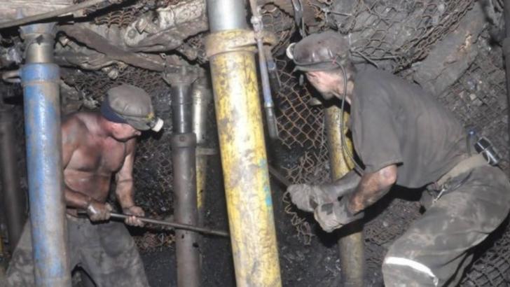Plan ROȘU de intervenție, la Mina Livezeni, din Valea Jiului: mineri blocați în subteran