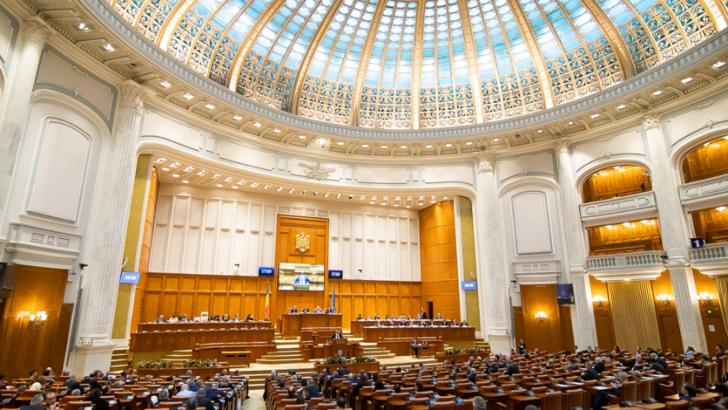 Moțiunea de cenzură împotriva guvernului Orban va fi votată luni