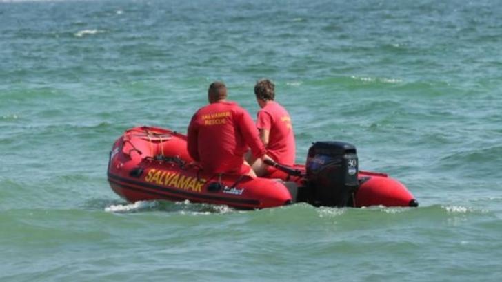 Tragedie la malul mării. Copil dispărut în valuri