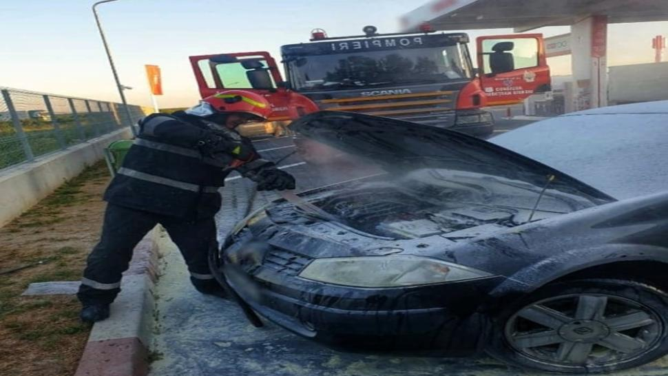 masina a luat foc