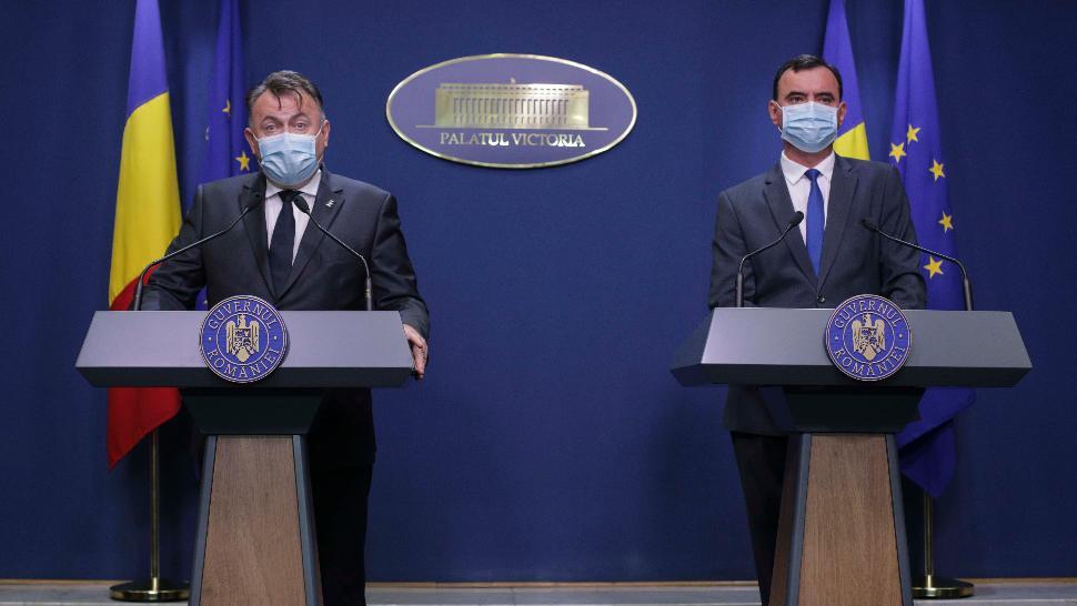 Nelul Tătaru, ministrul Sănătății, și Bogdan Despescu, secretar de stat în Ministerul Afacerilor Interne Foto: Inquam Photos/Octav Ganea