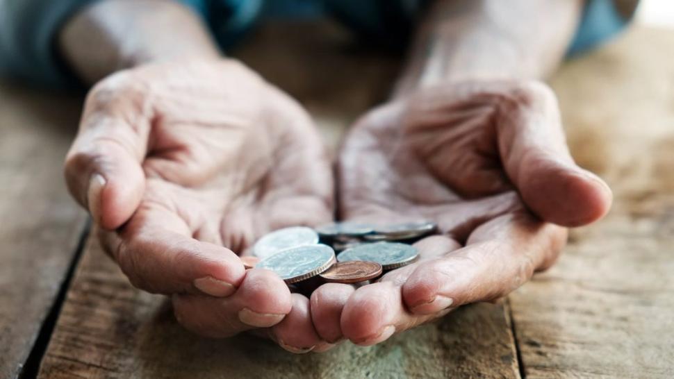 bnrmajorarea-punctului-de-pensie-cu-40-ar-duce-la-o-cre