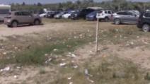 Plaja sălbatică de la Corbu, invadat[ de gunoaie. Imagini șocante