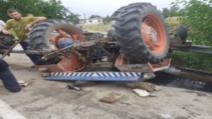 Bărbat rănit grav după ce s-a răsturnat cu tractorul, în jud. Constanța