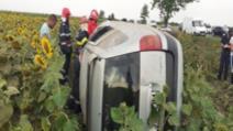 Accident grav, în jud. Ialomiţa: 4 victime, după ce maşina s-a răsturnat pe câmp