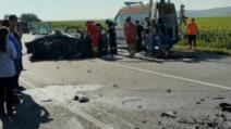 VIDEO Accident mortal la Iași. O șoferiță a murit după ce a lovit o dubă blindată
