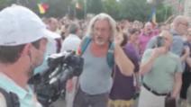 Jurnaliști Realitatea PLUS, bruscați și jigniți la protestul anti-carantinare din Piața Victoriei, 12 iulie 2020