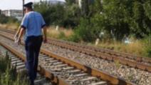 Moarte violentă pe calea ferată! O persoană și-a pierdut viața după ce a fost lovită de un tren de călători la Trifești, jud.Neamț