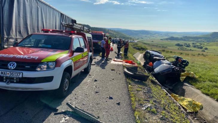 Accident GRAV în județul Cluj. Trei persoane și-au pierdut viața