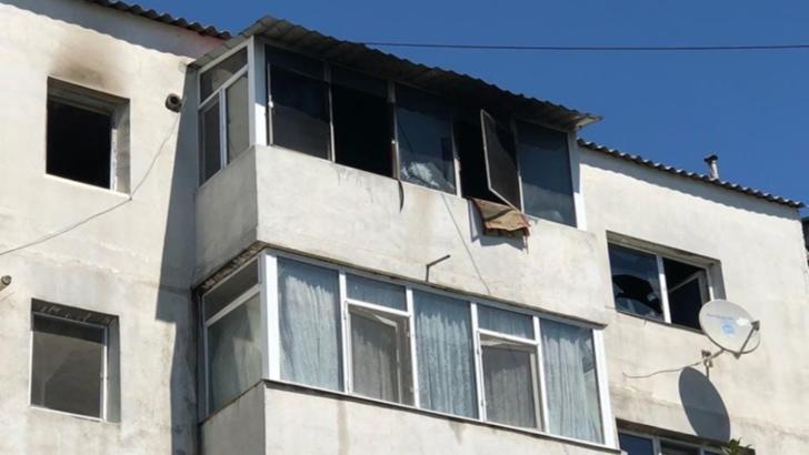 Incendiu într-un bloc din Fetești. O femeie de 81 de ani a decedat