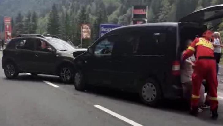 Accident grav la intrarea în Predeal: 5 RĂNIȚI și trafic blocat pe DN1