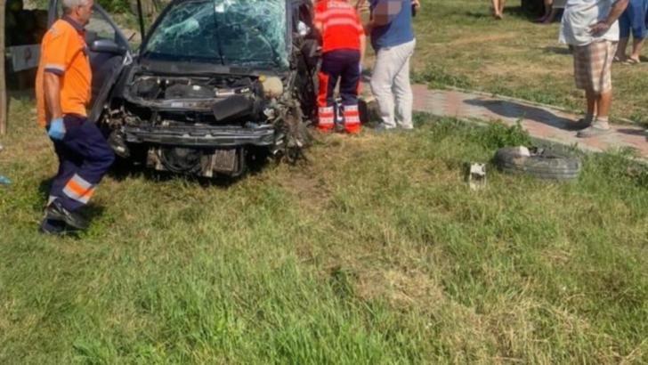 Tragedie pe șoselele din jud. Ialomița: Un bărbat a murit și o femeie a fost grav rănită după o ciocnire frontală Foto: IPJ Ialomița