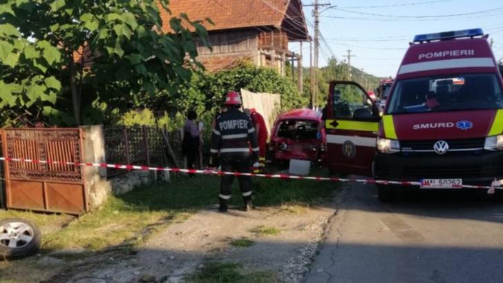Accident TERIBIL în județul Argeș: o femeie A MURIT, alte două au fost rănite, STRIVITE de o mașină în timp ce stăteau pe bancă Foto: ZiarulArgeșul.ro