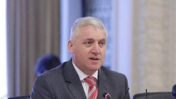 Adrian Țuțuianu, senator Pro România