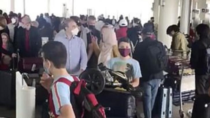Uniunea Europeană a decis: masca, obligatorie în avion de la vârsta de 6 ani