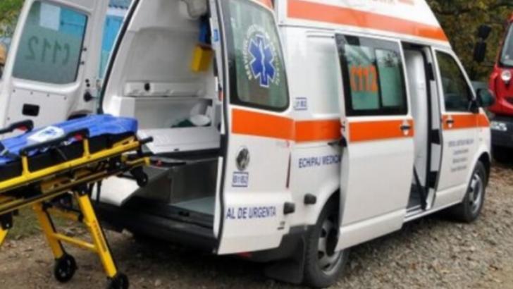 Accident grav, în jud. Maramureș: un rănit grav, după impactul violent între două autoutilitare și un autoturism