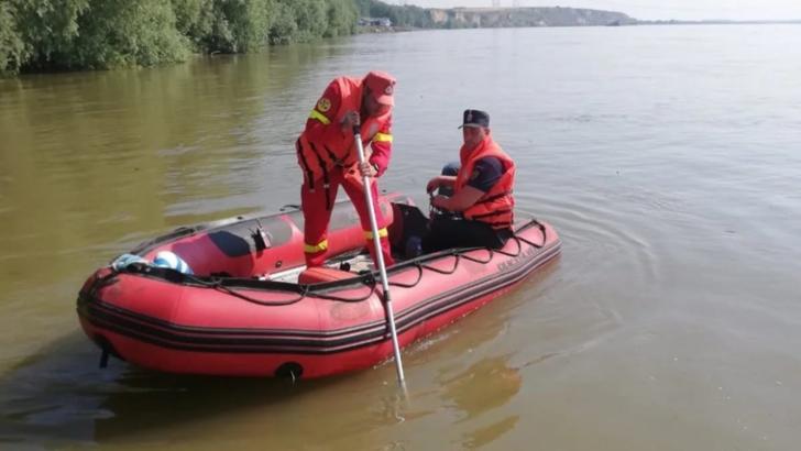 Alertă pe Dunăre! Copil căutat cu scafandrii
