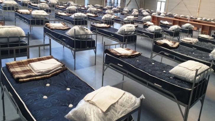 Spitalul de campanie amenajat la Expo Arad devine operațional: tot mai multe cazuri de coronavirus