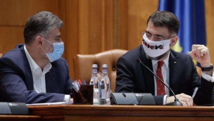 Marcel Ciolacu (PSD), președinte Camera Deputaților, și Robert Cazanciuc (PSD), președinte interimar Senat Foto: Inquam Photos/George Calin
