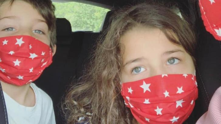 """Elena Băsescu, reprofilare în timpul pandemiei de coronavirus: măști de protecție marca """"EBA"""" Foto: Facebook"""