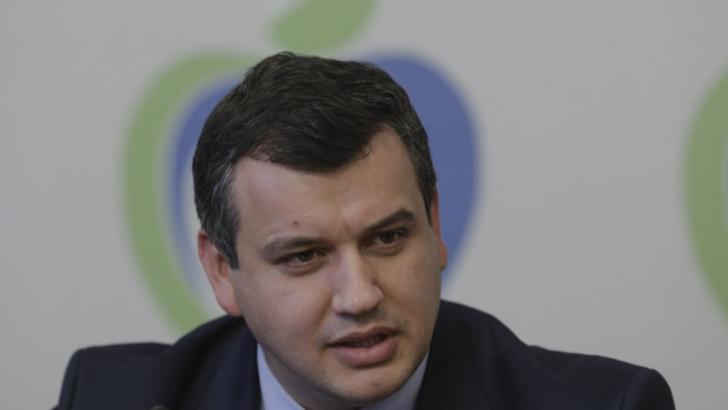100% TU DECIZI! Eugen Tomac, omul care nu face nimic fără să-l întrebe pe Traian Băsescu