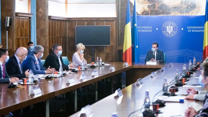 Ședință de Guvern la Palatul Victoria: Miniștrii vor discuta proiecte importante pentru persoanele afectate de criza Coronavirus