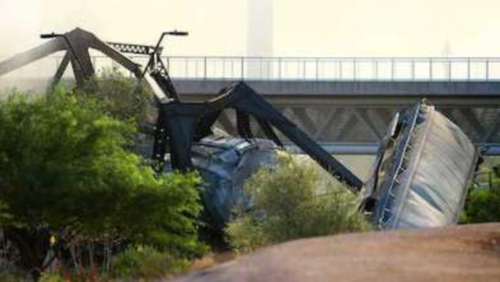 Accident feroviar produs în Arizona. Un pod s-a prăbușit parțial