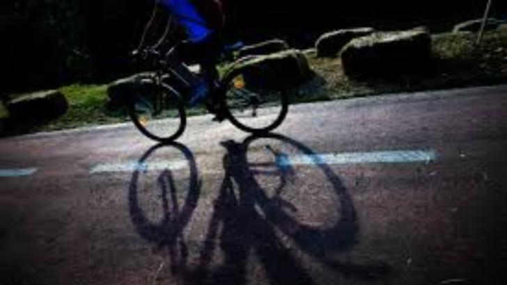 Fetițe pe bicicletă, lovite de un șofer beat în județul Neamț