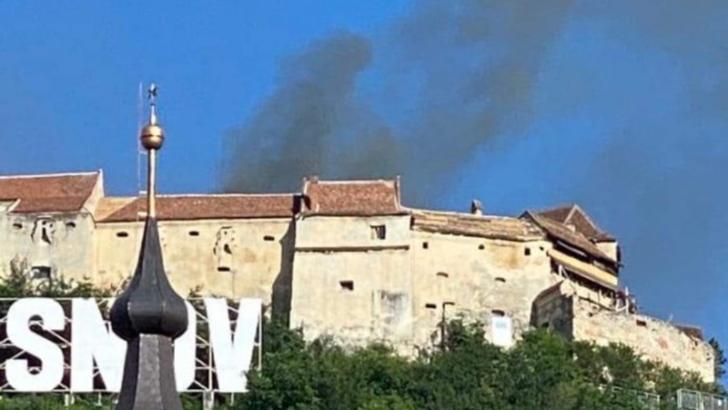 Incendiu puternic la Cetatea Râșnov!