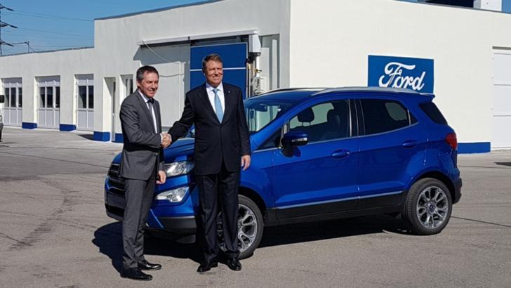 """Klaus Iohannis, după vizita la fabrica Ford Craiova: """"Este nevoie de investiții. M-am bătut acolo pentru bani europeni"""""""