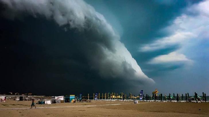 Imagini spectaculoase, la Mamaia. Norul Shelf a acoperit cerul