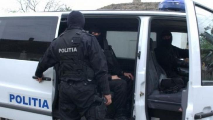 Descinderi de amploare, la clanul Duduianu. Sute de polițiști și mascați, pe teren