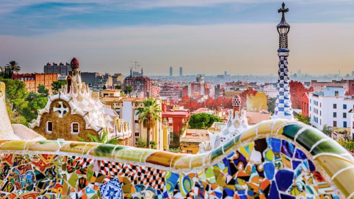 Tinerii spanioli, plătiți să plece din casa părinților