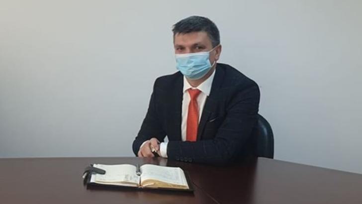 Prefectul de Olt, confirmat COVID, transferat de urgență în București. Starea sa de sănătate s-a înrăutățit