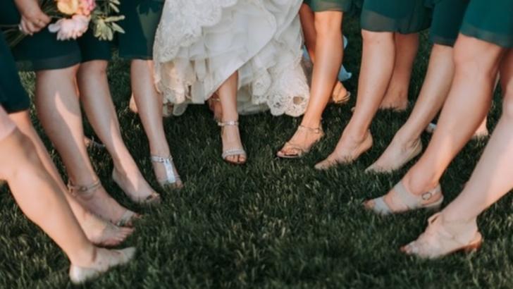 Cum porți sandalele la ținutele elegante? (P)