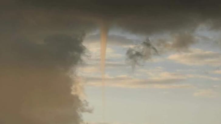 Fenomen spectaculos: tornadă în Prahova