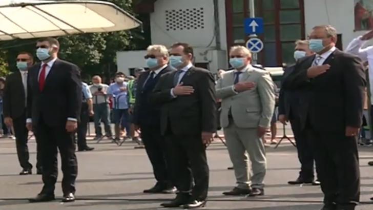 Spectacol pe cer, de Ziua Aviației Române. Premierul Ludovic Orban, la ceremonie