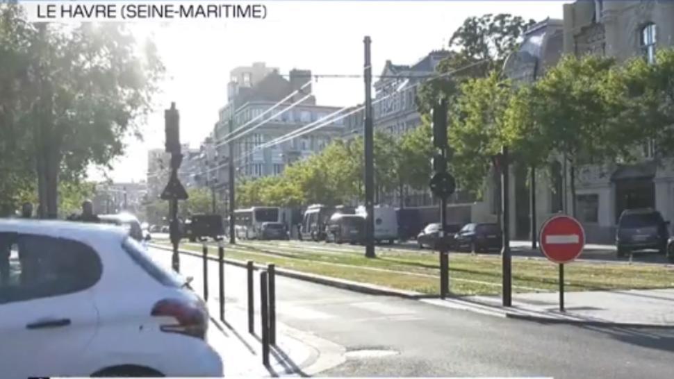 Luare de ostatici într-o bancă din Franța, mai multe persoane retinute sub amenințarea armei