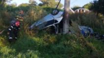 FOTO Accident cumplit în Harghita, un tânăr a murit după ce s-a înfipt cu mașina în stâlp