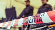 Atac în plină noapte al unui clan interlop din Vâlcea: sticle incendiare, mașină în flăcări