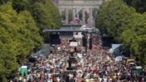 Mii de germani, la protestul anti-coronavirus din Berlin, 1 august 2020 Foto: Twitter.com