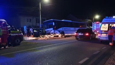 Accident grav în Gorj, un autobuz cu angajați de la CE Oltenia a ajuns în șanț