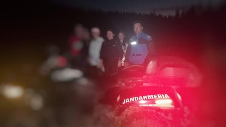 Cinci fete din județul Iași, rătăcite pe munte, salvate de jandarmii și salvamontiștii harghiteni