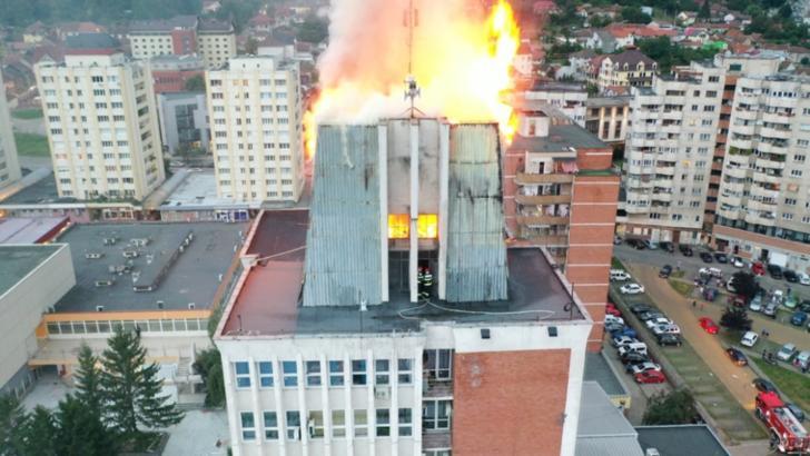 Dosar penal în cazul incendiului de la Palatul Administrativ