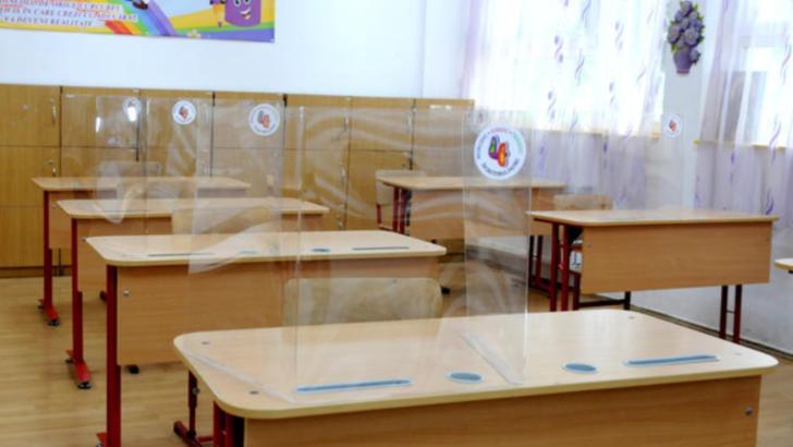 Inspector școlar: Unitățile școlare se pregătesc pentru toate cele trei scenarii. Care este situația în școlile din Capitală