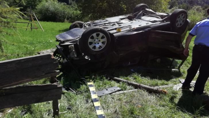 Accident rutier GRAV în județul Bistrița-Năsăud: Doi copii și trei adulți, transportați URGENT la spital!